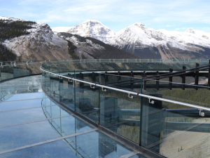 "Canadá constrói ""ponte flutuante"" para os visitantes de parque nacional"