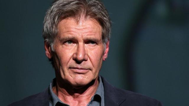 Segundo o filho de Harrison Ford, o ator passa bem depois do acidente || Crédito: Getty Images