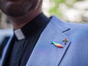 Igreja protestante dos EUA abre caminho para o casamento gay