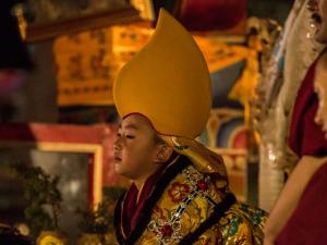 Diretor da O2 arma exposição sobre mestre budista de seis anos