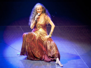 Gilda Midani entrega tudo sobre os looks da turnê de Maria Bethânia