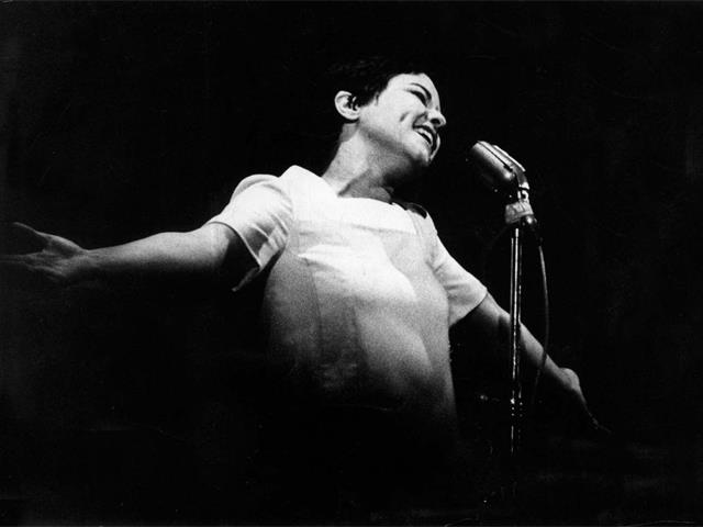 Elis Regina no Festival de Música Popular Brasileira da TV Record, São Paulo em 1967