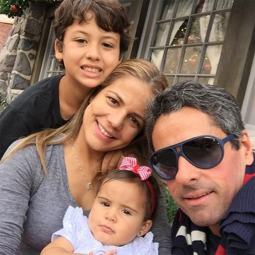 Nívea e Marcus Rocha com os pequenos, Miguel e Bruna || Créditos: Instagram