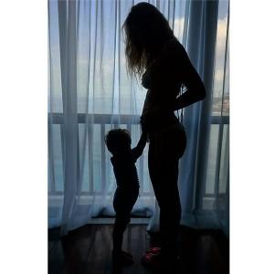 Luana Piovani está grávida de gêmeos e o anúncio vem em vídeo!