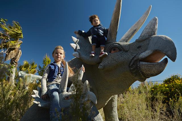 A coleção de inverno 2015 segue o tema dinossauros    Créditos: Divulgação