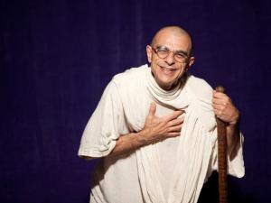"""Casa Glamurama vira palco do espetáculo """"Gandhi, a Ética Inspiradora"""""""