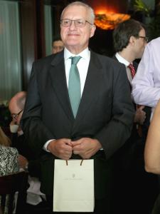 Graf von Faber Castell presenteia convidados do almoço da PODER