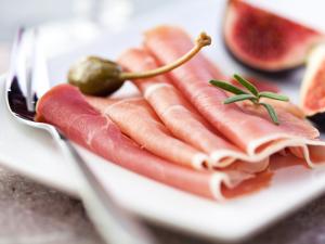 Food Hall do Cidade Jardim traz degustação de presunto serrano