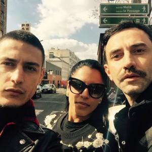 Marina Morena, de férias em Paris, ganha companhia de Riccardo Tisci