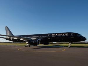Four Seasons Jet faz sua primeira viagem e Glamurama tem os cliques!