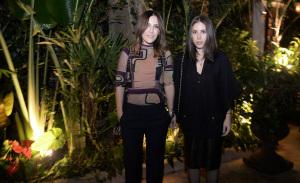 Lilly e Renata Sarti armam jantar pós-desfile para poucos e bons