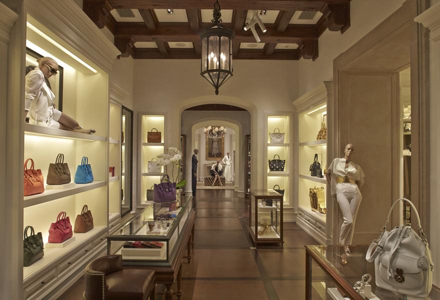 a37929171 Loja de luxo da Ralph Lauren no Brasil tem 850 m² e bar interno ...