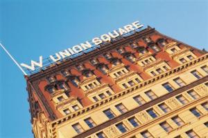 Aulas de meditação viram mania em porão de hotel de NY