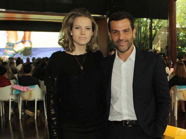 Johanna e Alexandre Birman convidam para a festa de Vera || Créditos: Beatriz Chicca
