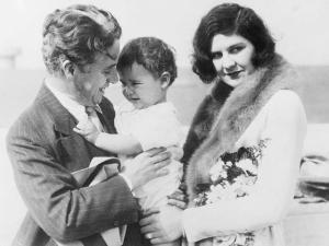 Passado amoroso de Chaplin é revelado em documentos esquecidos