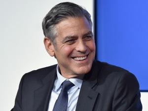 Clooney pede e recebe aval para manter fãs longe de sua casa na Itália
