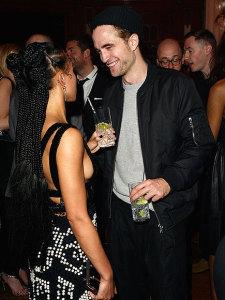 Robert Pattinson e a cantora FKA Twigs estão noivos