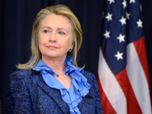 Hillary Clinton contrata executiva do Google para coordenar sua campanha