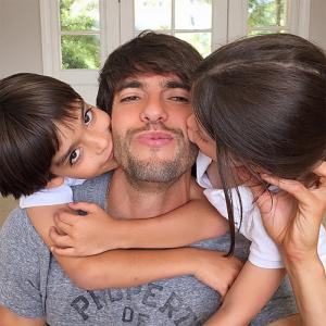 Kaká completa 33 anos e ganha homenagem de Carol Celico