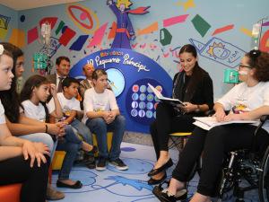 IWC e Adriana Lima inauguraram biblioteca em hospital de Curitiba
