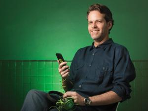 Spotify segue em alta apesar do barulho. Confira matéria da PODER