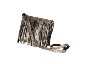 Querida entre as glamurettes, bolsa de franjas embala o feriado