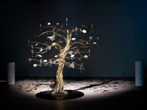 "SP-Arte terá árvore que ""dá"" champagne. Entenda!"