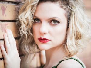 f6d0444380506 Um bate-papo com a atriz Maria Eduarda Carvalho