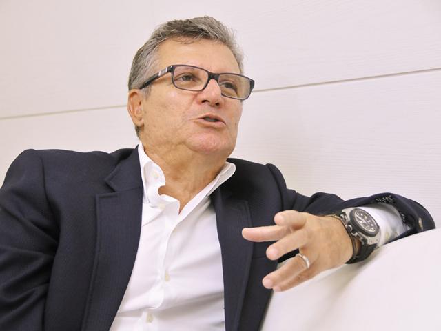 O falante Sebastião Bomfim || Créditos: Luisa Santosa