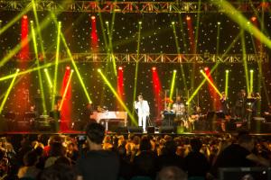 Roberto Carlos elege músicos latinos para gravação de DVD em Londres