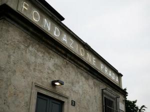 Fondazione Prada reabre em espaço gigante e recheado de cultura