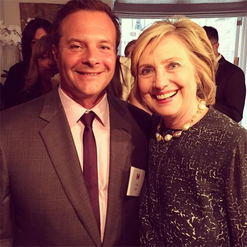 Ivan Bart em encontro com Hillary Clinton || Créditos: Reprodução / Instagram
