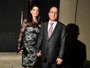 Certo cantor vai animar o casamento de Claudia Cozer e Roberto Kalil