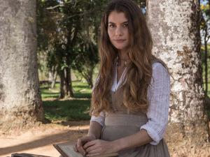 Alinne Moraes vive embate entre castidade e amor em nova novela