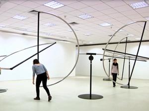 Guto Lacaz apresenta escultura cinética e inédita em SP. Aos fatos