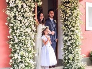 Carol Queiroz se casa com Ricardo Hallack em festa em Petrópolis
