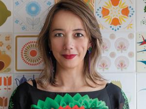 Revista J.P: o apartamento multicor da artista plástica Nina Pandolfo