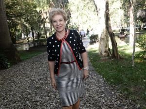 Marta Suplicy ginga na periferia e coleciona pedidos para fotos
