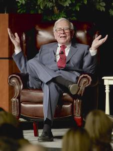 Quer jantar com Warren Buffett? Dê seu lance em um leilão…