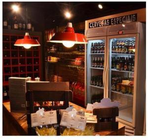 Caio Bortman promove oficina de cerveja artesanal. Aos detalhes!