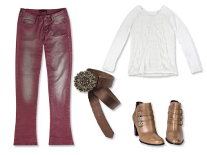 Calça colorida e resinada é a dica do dia do Glamurama