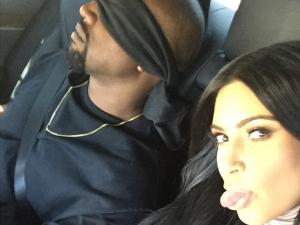 Kim Kardashian fecha estádio pelo aniversário de Kanye West