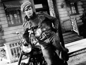 Harley Davidson usada por Marlon Brando vai a leilão nos EUA