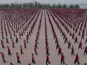 Novo clipe de M.I.A. tem participação de 36 mil chineses!