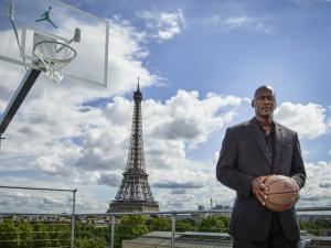 """Nike relembra os 30 anos do """"Air Jordan"""" com série de eventos em Paris"""