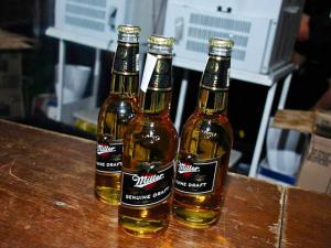 Miller é eleita a cerveja oficial da Festa dos 15 anos do Glamurama
