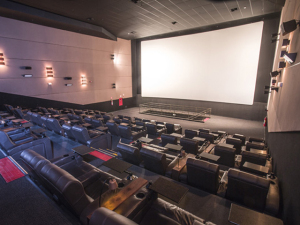 Aproveite o friozinho para curtir o cinema do shopping Cidade Jardim. Vem!