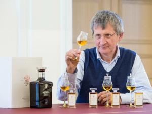 Johnnie Walker lança segunda garrafa comemorativa aos seus 200 anos