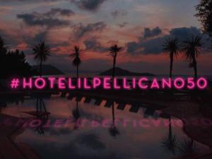 Jet-set mundial se reúne em festa do hotel Il Pellicano, na Itália