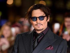 Entre piratas e polêmicas, Johnny Depp vira rosto da Dior